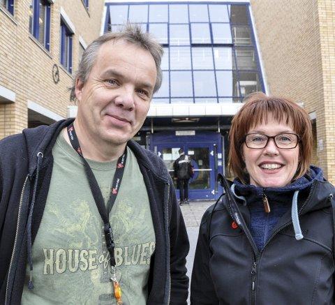 EN GLEDE: – For svært mange blir det en stor glede og berikelse å være flyktningguide, sier Knut H. Slettemo og Unni Buverud.