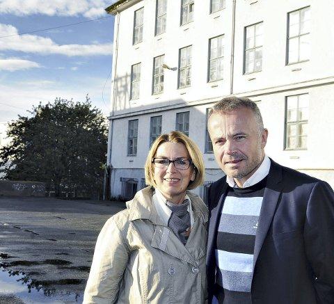 Ragnhild Helseth og Kjell Neergaard ble henholdsvis varaordfører og ordfører etter kommunevalget i 2015. Da sto de sammen med felles budskap om å kjempe for nytt opera- og kulturhus her på Langveien ungdomsskole.