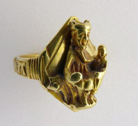 DETALJRIK: Den forsgjorte ringen med religiøst motiv, har antakelig tilhørt en person med høyere rang.