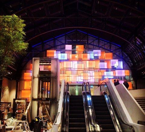 ØSTBANEHALLEN: Plexon var også sterkt involvert i det norske bidraget i konkurransen Nordisk Lyspris i 2016, den store lysveggen i Østbanehallen i Oslo.
