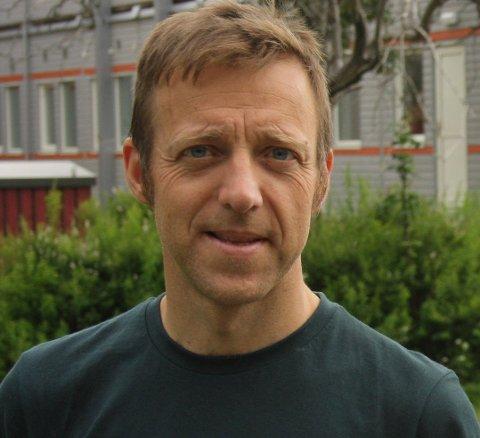 GLAD FOR NÆRINGSSTØTTE: Olav Fjeld Kraugerud (V) leder Hovedutvalg for næring miljø i Ås kommune. Han er glad for at staten bevilger penger til kommuner som Ås, slik at lokalt næringsliv kan få en håndsrekning.