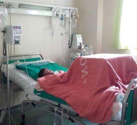 Mangel på leger og mangel på tolk skapte problemer da Maisam ble alvorlig syk. Tilstanden hans er fremdeles alvorlig, og han er nå under behandling på sykehuset i Athen.