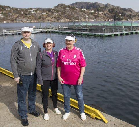 Liudas Vainauskas, Eva Solhaug og Kjersti Solberg er eiere i nyetablerte Sund Laksepakkeri AS, som overtar produksjonen etter Norse Production.