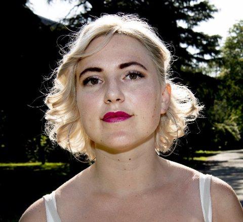 Sofie Marhaug, førstekandidat for partiet Rødt, mener superyachtene må betale mer for å besøke Bergen.
