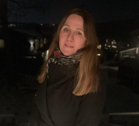 UTFORDRENDE: Det er mye som skal på plass for å gjenåpne skolene på mørkerødt nivå. - Jeg forstår at dette er inngripende overfor familiene, sier områdeleder Katti Anker Teisberg.