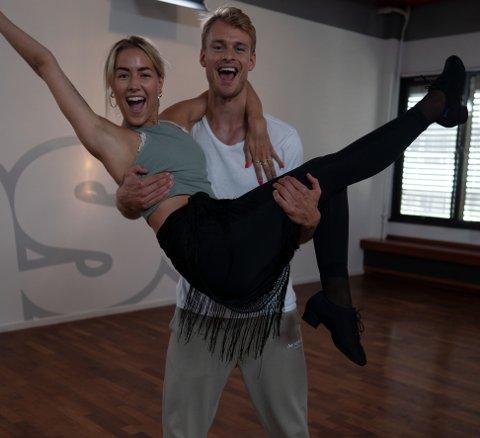 Helene Spilling og sportsanker Simon Nitsche skal danse sammen denne høsten. De har allerede fått god kjemi.