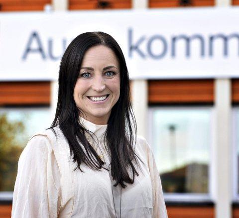 KJEMPER: Ordfører Hanne Berit Brekken sier at Aure er med i kampen om 2.000 arbeidsplasser når det i løpet av de kommende år skal etableres en gedigen batterifabrikk i landet.