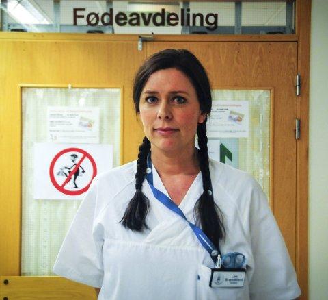 Midnatt: Lise Brændeland har akkurat gått av vakt på fødeavdelingen. Om ikke lang tid har hun sin siste vakt som jordmor ved sykehuset. Hun har sagt opp, på grunn av det hun kaller en skitten sykehusprosess.