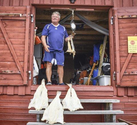 Gripværing: Bollis Thomassen er utrolig stolt av Grip. Han beskriver fiskeværet som Kristiansunds femte bydel. – Når turistene kommer for å besøke Grip, er det også positivt for Kristiansund. De må bo et sted, de må handle mat et sted. Det er et forhold hvor begge vinner, sier han.