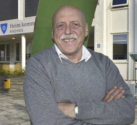 ANSETTER: Ordfører Odd Jarle Svanem og kommunestyret i Heim skal torsdag ansette ny kommunedirektør etter Torger Aarvaag.