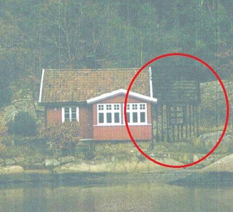 I sjøkanten i LNF-område: Den røde sirkelen viser hvordan fritidsboligen i Kilsund er tenkt utvidet.