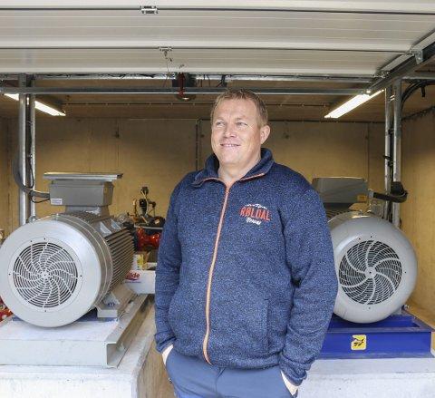 Klar for vinter: Daglig leder i Røldal skisenter, Oddvar Bratteteig, er nå klar til å rulle ut kanonene om det blir  kuldeperiode igjen. Arkivfoto