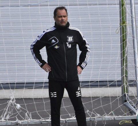 Tøft: Det ble for tøft for Terje Hansen og FK Lofoten.