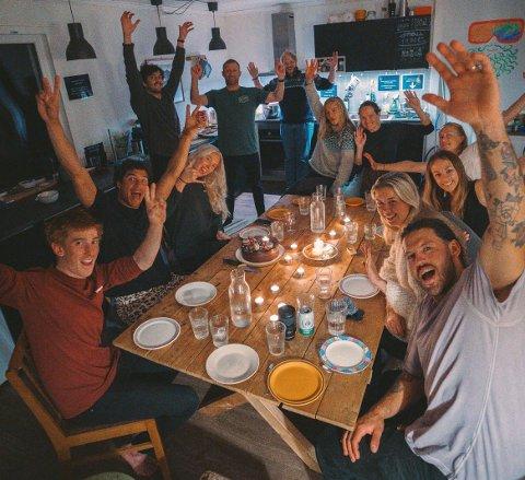 Denne gjengen på Arctic Coworking Lodge har virkelig benyttet seg av hjemmekontor de siste månedene.