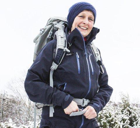 Måtte finne seg en overlevelsesstrategi: Da Anne Grimstad Fjeld fikk kreftdiagnosen sommeren 2015, måtte hun finne seg en strategi for å jobbe med engstelsen og det mentale. Det ble trening og sunn mat, og til sommeren venter en tur på 55 mil på henne. Hun avkrefter at hun har blitt noe supermenneske, og forteller at julepynten er sortert skikkelig i fall hun ikke er her neste år. Men hun har samtidig lært seg å verdsette tida godt. 8Foto: Nina Therese Blix