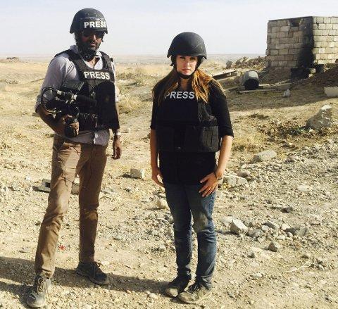 Denne uka har Kristin Solberg hatt daglige turer til frontlinjen ved Mosul med fotograf George Kurian. Foto: Privat