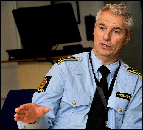 Nærpolitisjef Kjetil Lunder varsler at politiet vil slå hardt ned på drikking på offentlig sted denne helgen.