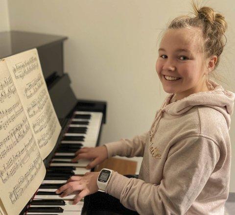 Elsker musikk: Frida Christoffersen (16) sier at musikken står henne veldig nær.