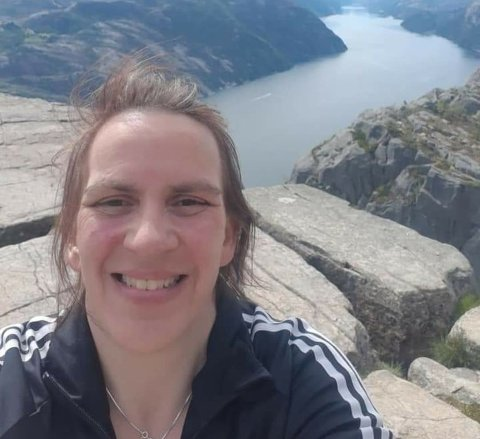 """May-Britt Larsen er med i denne ukens """"20 kjappe med Svelviksposten - Juleversjonen""""."""