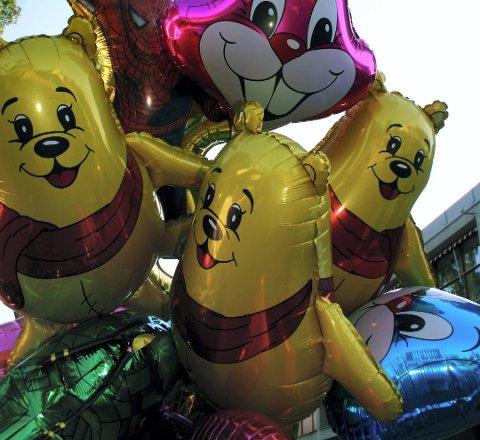 FORBUDT: Nå blir det slutt på heliumballonger i Ås kommune.