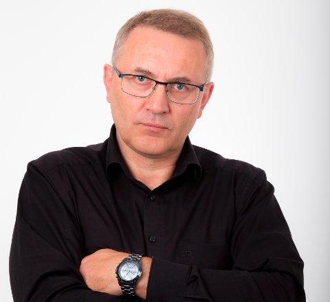 Svingende utsikter: Det skal investeres for mange millioner kroner og Ole Petter Nybakk er klar på at økonomien ikke er alvorlig sammenlignet med naboene, men han varsler at flere endringer må iverksettes og det raskt.