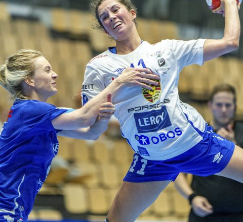 Storspilte: Fanas Celine Solstad ble toppscorer mot Tertnes med syv mål og var en konstant trussel for hjemmelagets forsvar.FOTO: BERNT-ERIK HAALAND