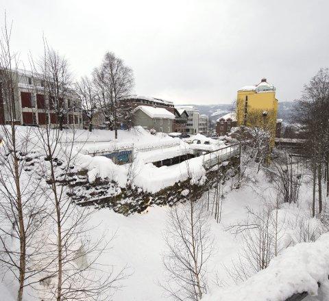- Det nye kommunestyrets flertall, om enn lite, har en ryddejobb å gjøre, skriver Øyvin Aamodt og Eva Marie Mathisen, Rødt, Lillehammer.