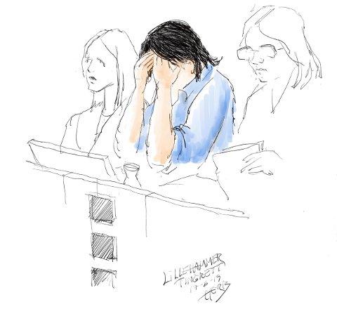 Den tiltalte 17-åringen i retten mandag.