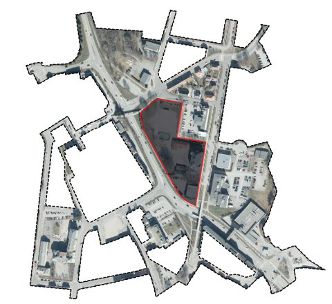OPPRINNELIG TOMT: Halden bad (helt nederst i det rødrammede området) er en del av tomta som skal brukes til å bygge ny skole, arena og basishall på Os. Planområdet som skal romme den nye bebyggelsen, er 12,5 dekar stort. Til tross for forsøk på utvide området blir kommunen nødt til å jobbe med prosjektets opprinnelige arealstørrelse. Hele illustrasjonen viser det totale planområdet for prosjektet på nesten 130 dekar som inkluderer blant annet infrastruktur og tilgang til nærliggende naturområder.