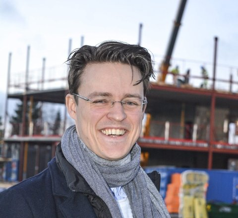 Tildelingsbrev kommer: Prosjektleder Johan Tørnby forteller at oppdraget på byggingen av Myrvang boliger vil bli sendt ut i løpte av kort tid. Bildet er tatt ved en annen anledning.