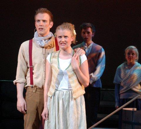 Gikk videre på scenen: Johannes Winther Farstad og Lena Kvitvik i musikalen Back on stage i 2009, har begge gått videre og fått en profesjonell karriere på scenen.