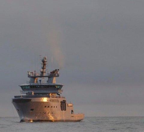 KONTROLL:  Kystvakta stiller med to fartøy og ett fly for å kontrollere at blåkveitefisket foregår i lovlige former.