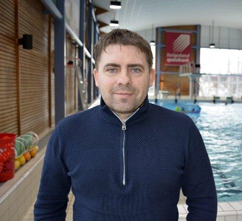 Viktig: Driftsleder ved Moheia Fritidspark, Roy Millerjord, mener det er bra for Rana å ha det svømmetilbudet Moheia Bad utgjør.