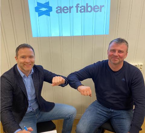 Erik Iversen (t.v) og Kjell Stillesby har solgt sine aksjer i Aer Faber til det svenske konsernet Lindab.