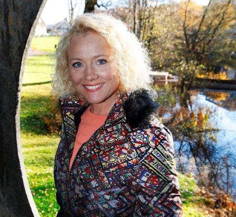 SKRIVER BLOGG: Programleder Hedda Kiese i TV 2 bor på Bekkestua. Nå er hun aktuell med egen blogg, Lev mer!, der hun blant annet beskriver sitt forhold til Lykkehaven-kunstner Bjørg Thorhallsdottir.
