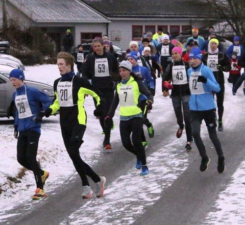 STARTEN: Kristoffer Hopland (nr. 28) i teten ut frå start, følgd av Adrian Hauge Haugland (20), Grethe Jørgensen (7) og Kristoffer Hauge Haugland (12).Alle foto: Stanley hauge