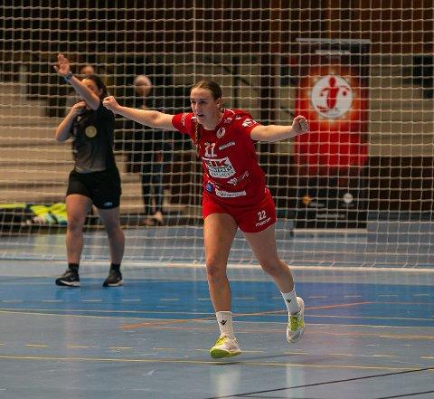 VIKTIG BRIKKE: Andrea Rønning hadde en kronglete start på årets sesong, men er nå tilbake for fullt igjen. - En viktig brikke for laget, slår trener Eirik Haugdal fast.
