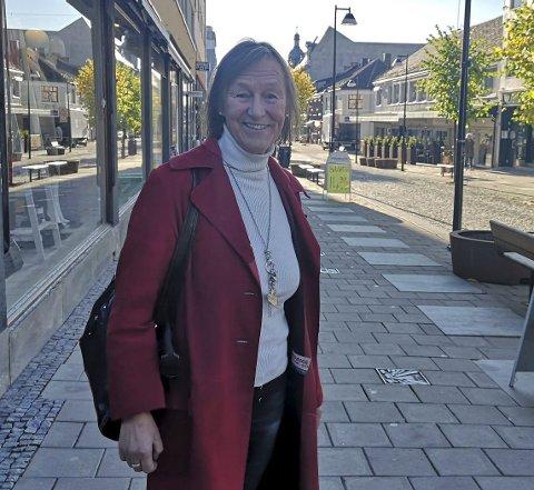 GIR SEG: Anne Dobloug er ferdig som sentrumsleder etter nyttår og blir nå daglig leder for Brumunddal Frivilligsentral. Hun beskriver de fire årene på Hamar som de fire mest spennende årene hun har hatt i arbeidslivet.