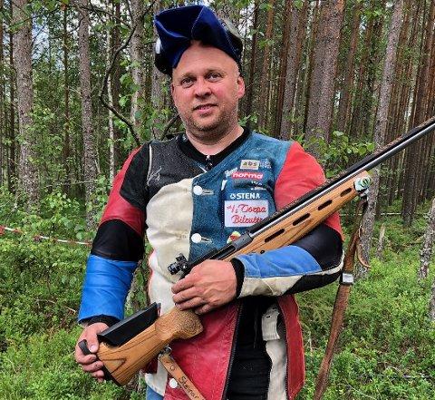 ODDS-BOMBE: Steina Bakken avfyrte ei skikkelig odds-bombe under Landsskytterstevnets første konkurransedag. Foto: Innsendt