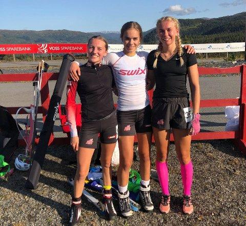 GULL: Ragna Fodstad (midten) sammen med Lene Jøranli fra Nordre Land (t.v) og Julia Kink.