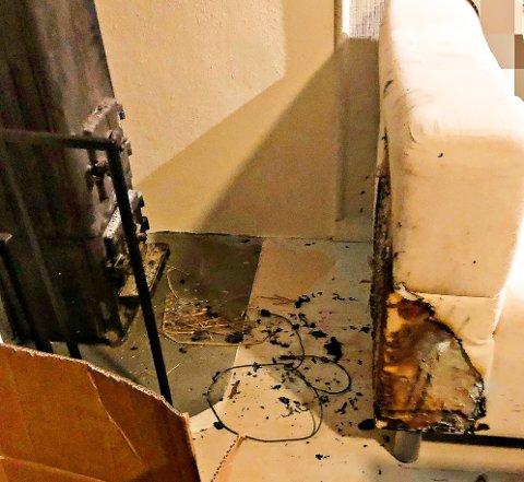 TOK FYR:  Møbler må plasseres i betryggende avstand til ildsteder, minner brannvesenet om.