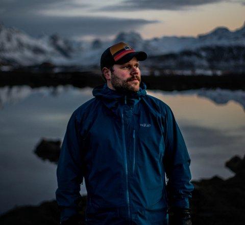 """KLAR FOR DATING: Sebastian Muth Johansen (28) fra Bolle på Vestvågøy er én av bøndene i """"Jakten på kjærligheten"""" 2021."""