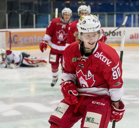 Uortodoks og dyr: Bergen Hockey hentet Robin Olsen Syversen før forrige sesong. Da spilte han for bunnlaget Moss. I «Badekaret» ble den originale hockeyspilleren umiddelbart en hit, men ferdighetene hans kostet også penger. Det er midler klubben har slitt med å betale ham. Nå er 26-åringen klar for eliteserielaget Manglerud Star.