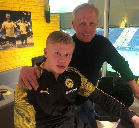 Den tidligere toppscoreren i Bundesliga, Jørn Andersen var på plass da Erling Braut Haaland fikk sin hjemmedebut for Dortmund. - Eling har imponert fra første dag, sier Andersen.