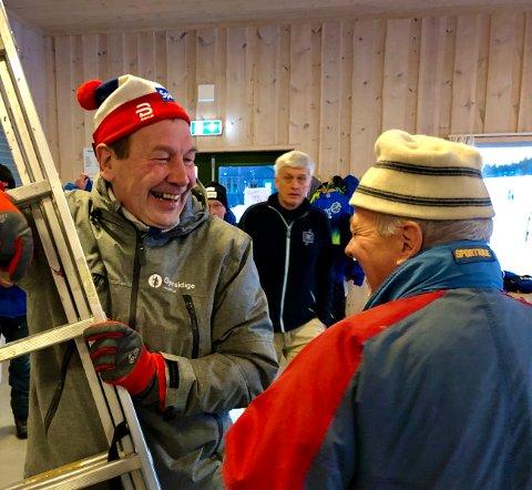 GODT HUMØR: Endre Raassum trives med dugnadsarbeid på Lygna.