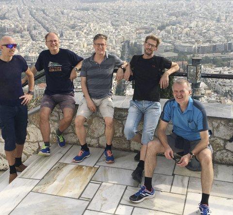 I 32 år har gjengen møttes én gang i året for reise. Her i Athen 2018: Fra venstre: Geir Dahlen, Arild Bull-Gjertsen, Espen Tallaksen, Morten Tallaksen og Gunnar Djup Øvrelid.