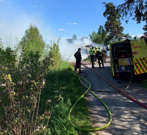 BRANN: Onsdag ettermiddag brant det i en garasje på Enebakkneset.