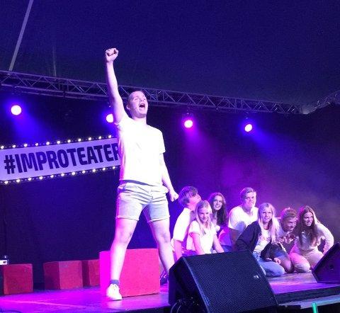 GOD PRESTASJON: Diorama-laget «4-Stjernes Impro» gikk hele veien til finalen under junior-NM i teatersport.