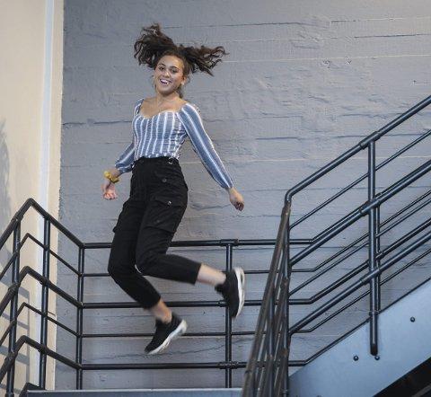 LIKER AKTIVITET: Mariela Sørby (14) fra Askim synes dansing er en fin aktivitet.