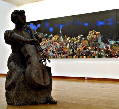 SAMLING: Maleriet av Håkon Gullvåg og skulpturen av Tone Thiis Schjetne er begge gitt i gave til Lillehammer Kunstmuseum.Arkivfoto